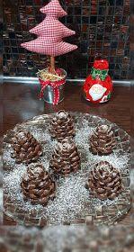 ΜΑΓΕΙΡΙΚΗ ΚΑΙ ΣΥΝΤΑΓΕΣ 2: Σοκολατένια Κουκουνάρια !!!! Christmas Sweets, Christmas Sewing, Christmas Cooking, Christmas Deco, Christmas Bulbs, Xmas, Apple Roses, Holiday Baking, Holiday Recipes