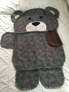 Animal Rag Quilt Rag Quilt Animal Shaped Quilt Bear by GiftedGalz Quilting Projects, Quilting Designs, Sewing Projects, Rag Quilt Patterns, Keepsake Quilting, Baby Boy Quilts, Animal Quilts, Baby Crafts, Baby Sewing
