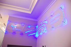 Pintura fluorescente para vidrio, que podría ser mas original y llamativo para su letrero www.acmelight.la