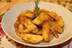 Le patate sabbiose sono un contorno molto goloso caratterizzato da una gratinatura al forno che rende il piatto particolare e squisito