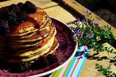 Amerikai palacsinta szederöntettel   Álom.Íz.Világ. Croissant, Pancakes, Muffin, Breakfast, Food, Morning Coffee, Crescent Roll, Eten, Cupcakes