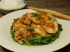 Thai Praram Chicken - Chicken in peanut sauce - Thai Recipes, Asian Recipes, Chicken Recipes, Healthy Recipes, Fun Recipes, Healthy Meals, Peanut Sauce Chicken, Recipe Images, Roasted Chicken