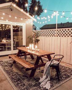 The Happiness of Having Yard Patios – Outdoor Patio Decor Design Patio, Patio Deck Designs, House Design, Garden Design, Balkon Design, Patio Interior, Interior Design, Patio Lighting, Lighting Ideas