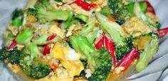 Resep Masakan Brokoli cah telur orek  - Sayuran satu ini banyak digunakan sebagai bahan sop atau sering kali dijadikan salad. Sayur brokoli merupakan salah satu alternatif sayur hijau yang dapat dimasak dengan bermacam macam cara, salah satunya di tumis.