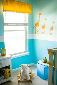 like the two-tone colors. also, cute giraffes!!