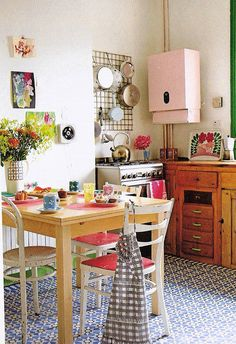 Pretty boho chic kitchen.
