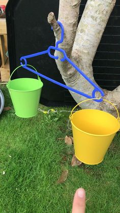 Simple weighing scales for the outdoors Just two buckets on a coat hanger to fill with lots of natural resources Preschool Science, Preschool Learning, Science For Kids, Fun Learning, Motor Activities, Science Activities, Preschool Activities, Outdoor Classroom, Outdoor Learning