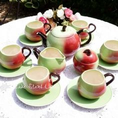 TEA SET. CARLTON WARE  China Vintage Apple Tea Set
