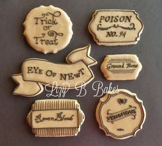 Killer cookies that will make your guests swoon. #etsy #etsyhalloween #halloween
