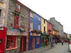 I got to see Galway on a recent trip to Ireland and fell in love with the place! The old town is beautiful!