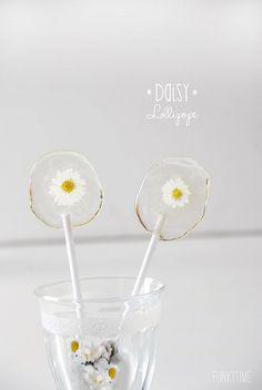 daisy lollipops by Paul+Paula, via Flickr