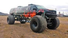 Sin City Hustler Luxury 4×4 Monster Limo Rides To Occasions In Extreme Style -  #carporn #luxury #trucks