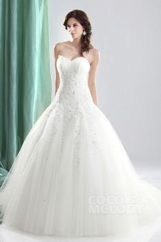 Timeless+Ball+Gown+Sweetheart+Court+Train+Tulle+Lace+Up-Corset+Wedding+Dress+CWLT1304C