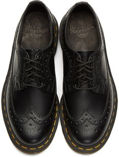Doc Martens have been in style for almost 60 years, discover what made them so popular. We also discuss how to wear them in style! Doc Martens Outfit, Doc Martens Style, Dr Martens Boots, Doc Martens Oxfords, Dr Martens Men, Prom Shoes, Men's Shoes, Shoe Boots, Ankle Boots