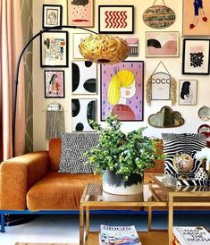 9 Beautiful Boho Wall Decor Ideas • One Brick At A Time Quirky Home Decor, Eclectic Decor, Diy Home Decor, Eclectic Style, Quirky Living Room Ideas, Eclectic Gallery Wall, Inspiration Wall, Interior Inspiration, Casa Pop