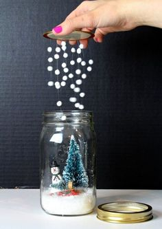 noel 2019 DIY snow globe crafts are right up my alley. I collect snow globes! So when I see these fun crafty versions based on one of my favorite collectibles. OF course I needed to do a Bee Crafts, Christmas Projects, Holiday Crafts, Diy And Crafts, Spring Crafts, Christmas Ideas, Crafts For Gifts, Decor Crafts, Diy Christmas Crafts To Sell