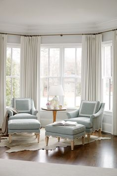 Examples Of Home Decoration Living Room 90 Models Bay Window Design Ideas Living Room To Inspire Your nbsp hellip Bay Window Decor, Bay Window Design, Bay Window Living Room, Bedroom Windows, Home Living Room, Living Room Designs, Living Room Decor, Window Seats, Bay Window Bedroom