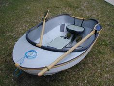 Small, light sailboat dinghy (sailboat tender) of carbon fiber/aramid cartop