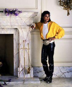 "Michael Jackson from the ""Liberian Girl"" cover art. Janet Jackson, The Jackson Five, Michael Jackson Bad Era, Jackson Family, Michael Jackson Photoshoot, Paris Jackson, Lisa Marie Presley, James Dean, Liberian Girl"