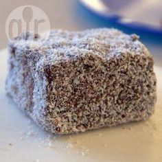 Lamington (bolo de chocolate com coco australiano) @ allrecipes.com.br