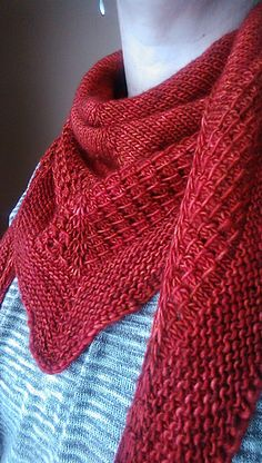I just love the yarn used to knit this shawl. The color is really great too.