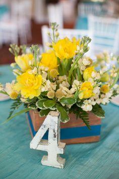 Post image for Kerry & Matt {Wachesaw Plantation} http://weddingrowgrandstrand.com/sara-adam-debordieu-club/ #flowers #blooms #weddings #gowns