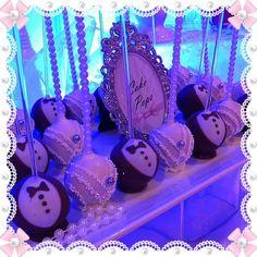 Elegant Bride and Groom Cake Pops. Cake Pop Designs, Elegant Bride, Holiday Cakes, Cake Pops, Groom Cake, Cute, Wedding Ideas, Cakepops, Kawaii