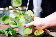 Mojitos + Mason Jars = The Best Summer Parties