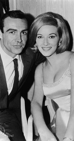 Sean Connery and Daniela Bianchi in From Russia with Love Sean Connery James Bond, Bond Series, Artist Film, Long Bob Haircuts, James Bond Movies, Bond Girls, Movie Couples, Vintage Hollywood, Vintage Movies