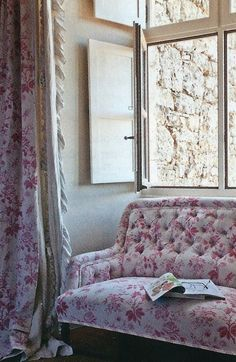 Love these curtains & sofa <3<3