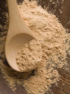 Maca root powder is said to boost sexual function in men and women, as well relieve menopause symptoms Health And Nutrition, Health And Wellness, Health Fitness, Home Remedies, Natural Remedies, Maca Pulver, Maca Root Powder, Menopause Symptoms, How To Increase Energy
