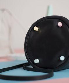 Balloon Mini negro detail - Leather Toys  #leather #bag #coldporcelain #handmade