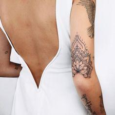 Classy Tattoos, Love Tattoos, Beautiful Tattoos, Body Art Tattoos, Small Tattoos, Tatoos, Dot Work Tattoo, Arm Tattoo, Tricep Tattoos