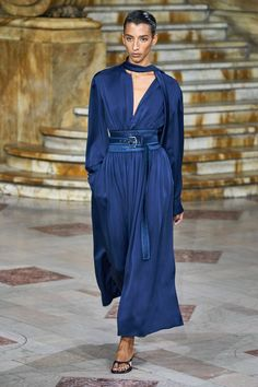 Sies Marjan Spring 2020 Ready-to-Wear Collection - Vogue The complete Sies Marjan Spring 2020 Ready-to-Wear fashion show now on Vogue Runway. Fashion Mode, Blue Fashion, Fashion Week, Fashion 2020, New York Fashion, African Fashion, Spring Fashion, Fashion Tips, Fashion Design