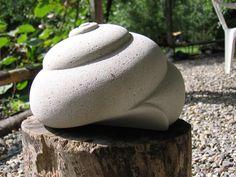 gasbeton beelden maken - Google zoeken Concrete Sculpture, Hand Sculpture, Sculpture Projects, Pottery Sculpture, Abstract Sculpture, Garden Sculpture, Cement Art, Concrete Art, Ceramic Pottery