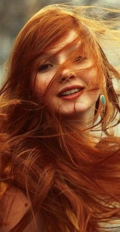 Red hair ideas ( Girls ) – red hair girls and idras for famous girl Redheads Freckles, Freckles Girl, Beautiful Red Hair, Gorgeous Redhead, Beautiful Women, Red Hair Woman, Fire Hair, Girls With Red Hair, Hair Girls