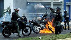 """La Corte Penal Internacional abrió un examen preliminar sobre la represión de la dictadura de Nicolás Maduro en Venezuela El fiscal Fatou Bensouda afirmó que tomó la decisión """"tras una revisión cuidadosa, independiente e imparcial"""" de los abusos cometidos en 2017. El saldo de la violencia del régimen contra las protestas se saldó con más de 100 muertos y centenares de heridos y detenidos VER MAS"""