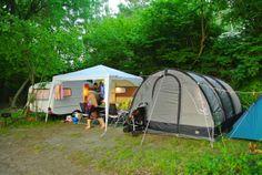 Zeltplätze für Individualisten. Direkt am Ufer zum Plauer See. http://www.zweiseen.de/von-a-z/stellplatz-galerie/