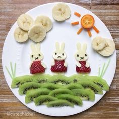 banking humor 19 schne Teller mit Obst un - banking Cute Snacks, Cute Food, Yummy Food, Toddler Meals, Kids Meals, Food Art For Kids, Kids Food Crafts, Childrens Meals, Food Decoration