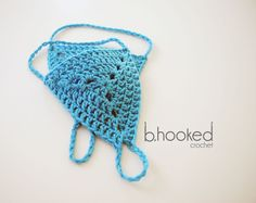 Learn how to crochet barefoot sandals with this free crochet pattern and video tutorial from B.hooked Crochet.