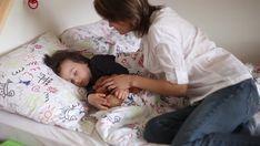 mom wake up child ile ilgili görsel sonucu Toddler Bed, Mom, Children, Baby, Child Bed, Young Children, Boys, Kids, Child