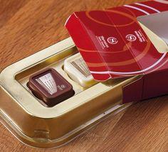 #Confezione di #praline #personalizzate con stampa in #HD sulla superficie e gustoso ripieno di #crema alle #nocciole #CandyCard
