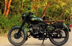 Royal Enfield Classic 500 Customised With a Classic Military Touch
