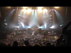 Lynyrd Skynyrd live - YouTube What an ending.