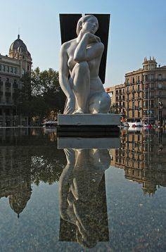 Plaça Catalunya, Barcelona, Spain