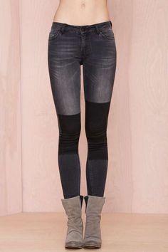 Just Female Play On Jeans - Black | Shop Denim at Nasty Gal