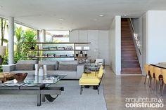Revista Arquitetura e Construção - Refúgio minimalista valoriza ao máximo a paisagem