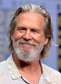 Jeff Bridges won Best Actor for his performance in Crazy Heart. Mens Hairstyles 2016, Hairstyles Over 50, Undercut Hairstyles, Cool Hairstyles, Men Undercut, Formal Hairstyles, Jeff Bridges, Lloyd Bridges, Beard Haircut