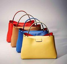 Un #arcobaleno di colori per le #borse in pelle made in Italy firmate #GianniChiarini collection S S2015