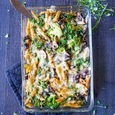 Ovnsbakt pasta med soppsaus – Ourkitchenstories Food Allergies, Lasagna, Pasta, Vegan, Chicken, Baking, Healthy, Ethnic Recipes, Bread Making